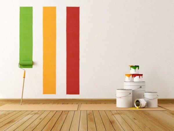 Покраска стен водоэмульсионной краской может быть выполнена самостоятельно, причем результат будет на должном уровне