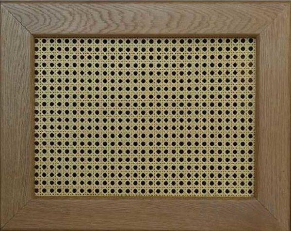Экран из ротанга на деревянной рамке