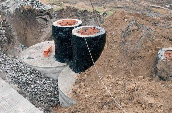 """Кирпичные """"горловины"""" для септика из бетонных колец"""