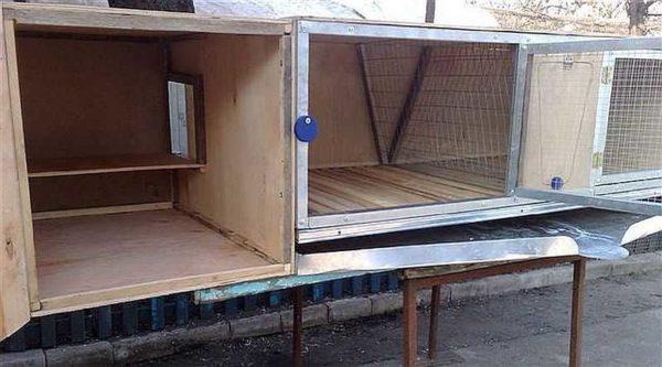 Пристроенный к клетке маточник для крольчихи