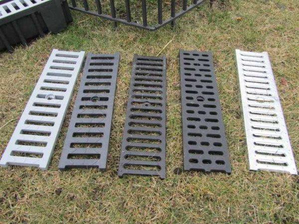 Решетки еще могут быть квадратными - для точечных дождеприемников