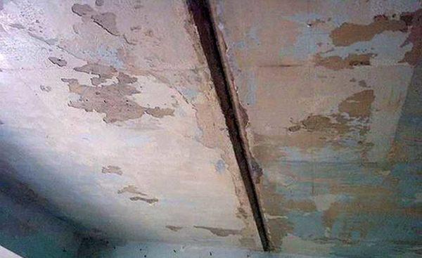 Такие швы на потолке - не редкость