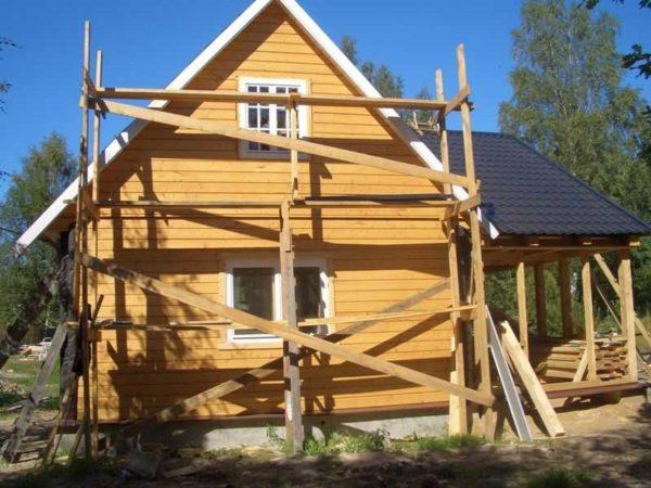 Деревянные строительные леса своими руками сделать можно за пару дней