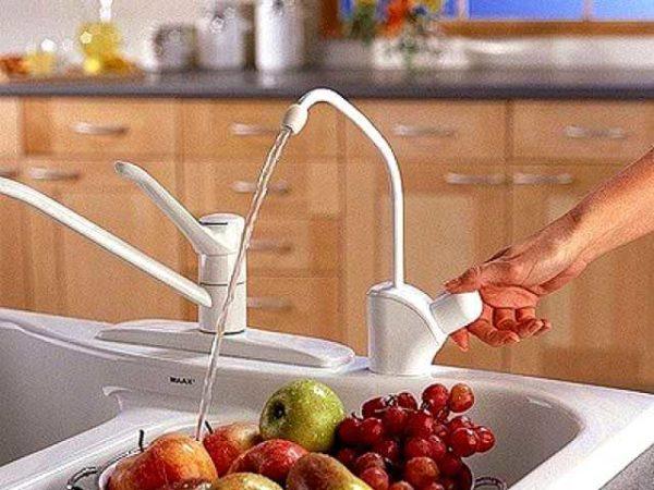 Очищенную обратным осмосом воду можно пить без кипячения