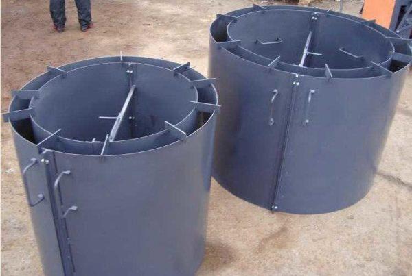 Формы для колодезных колец чаще всего делают из металла
