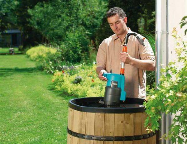 Насос для полива для бочек очень удобен и тих, но цены не радуют