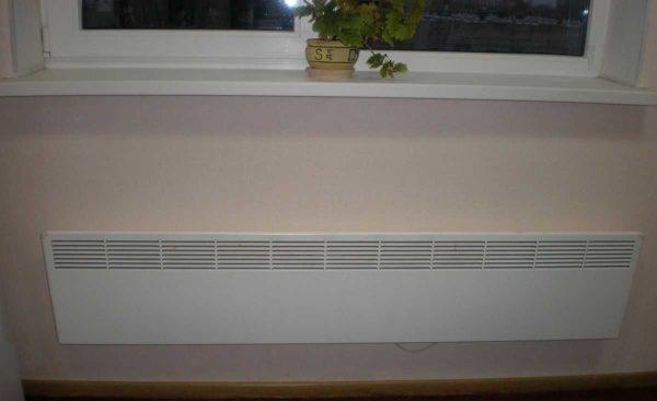 Электричесткие конветкоры внешне - обычно плоские панели с решетками
