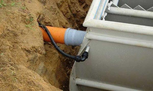 Ввод трубы и вход компрессора