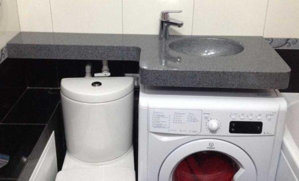 Установка стиральной машины под раковину в ванной