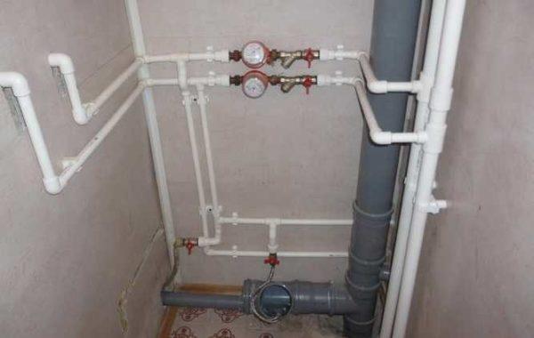 Монтаж водопровода из полипропиленовых труб можно сделать самостоятельно