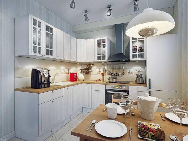 Освещение на кухне лучше сделать зонированным