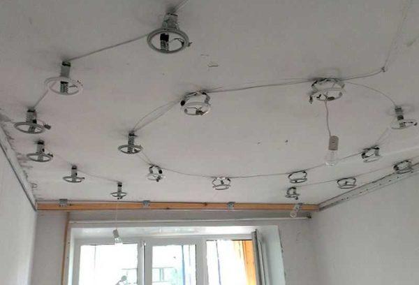 Подготовлено к установке натяжных потолков