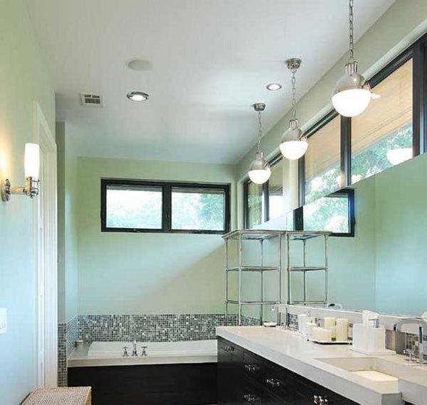 Использование люстр в ванной