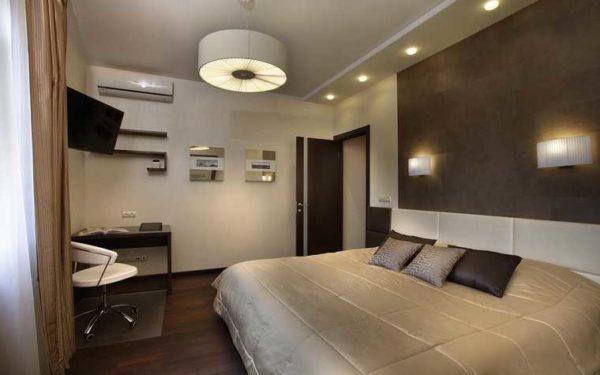 На какой высоте вешать светильники над кроватью? Чтобы они находились на расстоянии 120-160 см от пола