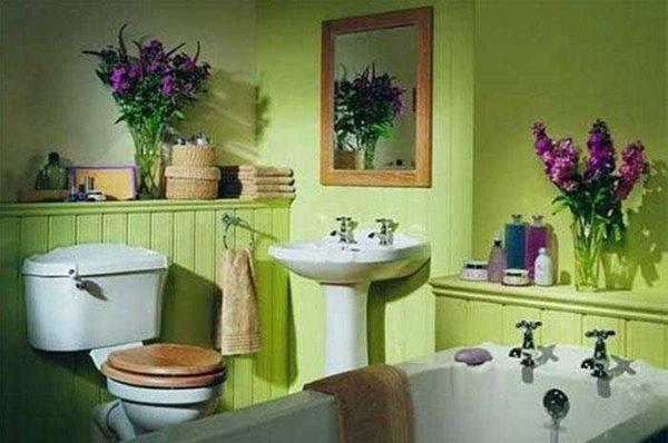 Не знаете чем отделать стены в ванной? Как насчет краски?