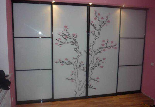 Рисунок на стекле в восточном стиле