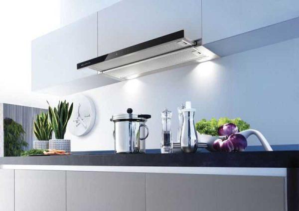 Установить на кухне вытяжку - мудрое решение