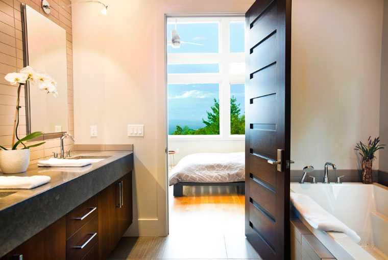 Картинки по запросу открытая дверь в ванную