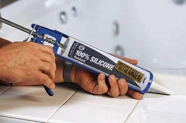 Силиконовый герметик для ванной - неплохой выбор