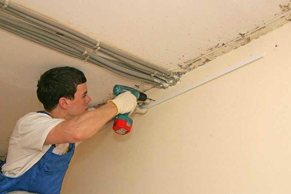 Металлический реечный потолок - отличный выбор для ванной или кухни