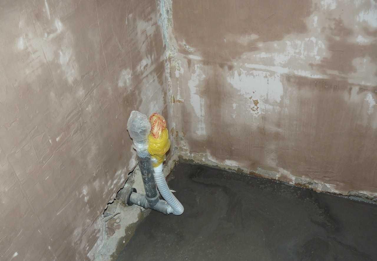 Стяжка своим руками в ванной 82