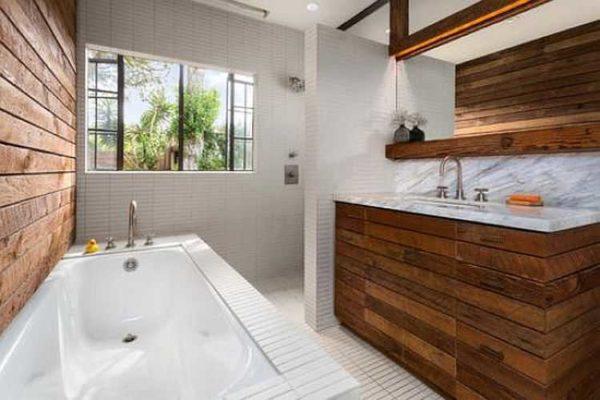 Вариант отделки ванной в деревянном доме
