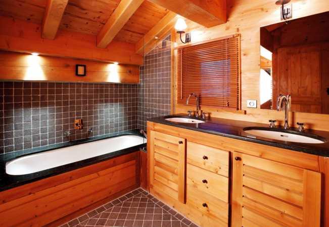 Как правильно сделать отделку ванной в деревянном доме