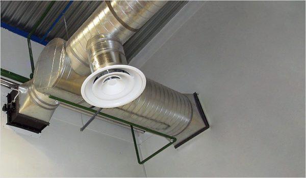 При совпадении формы и размера установить потолочный диффузор не проблема