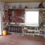 Пример компактного расположения инструмента и шин в гараже