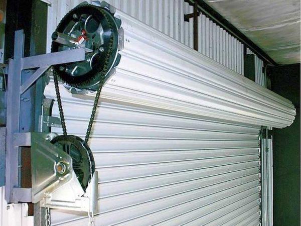 Устройство роллетных гаражных ворот