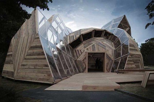 Это тоже дом, выполнены по купольной технологии