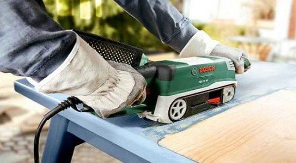 Ленточная шлифовальная машина хороша, если надо снять старое покрытие - краску лак