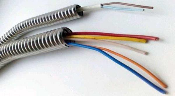 Размер гофры для электрического кабеля выбирают в зависимости от количества и размеров проводников