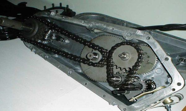 Цепной редуктор шумный, но легко ремонтируется