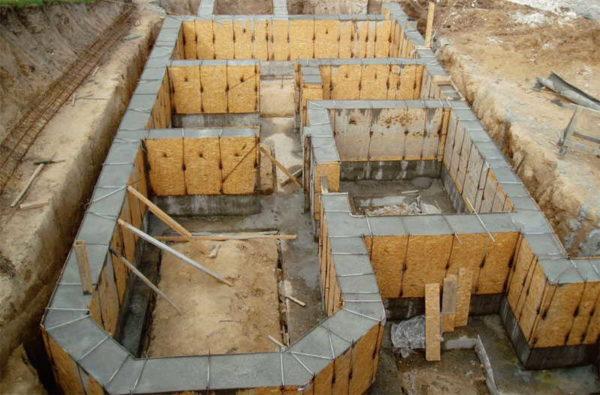 Еще одно из применений плит ОСБ - съемная опалубка для бетонных работ
