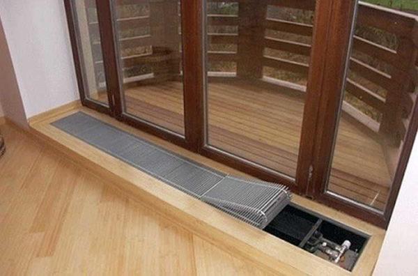 Для обогрева панорамных окон используют в основном вот такие нагревательные приборы