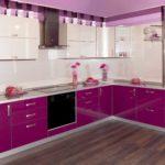 Яркий фасад кухонной мебели - прекрасный способ сделать кухонный интерьер живым и теплым