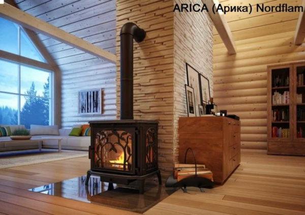 На деревянный пол кладут несгораемый материал (на фото пример установки печи камина Arika)