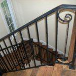 Литые чугунные перила для лестниц встречаются сегодня нечасто