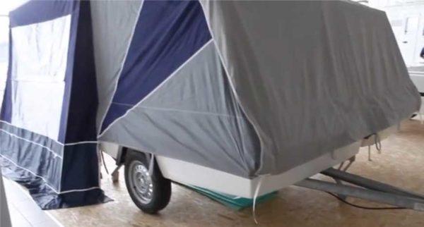 Прицеп-палатка с мягкими стенками и потолком