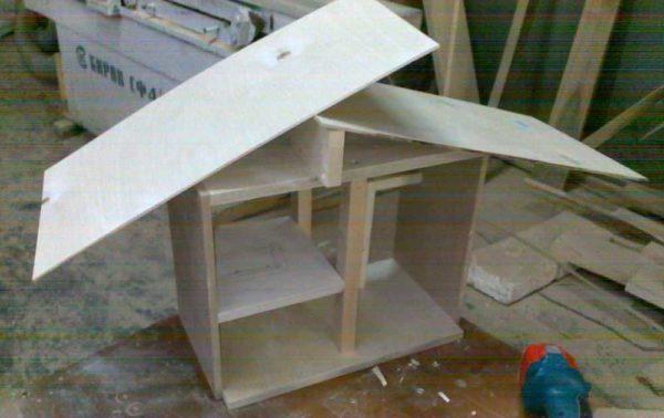 Примерно так делаем двускатную крышу