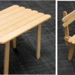 Начинать лучше с простого: стол и стулья для кукол из палочек для мороженного
