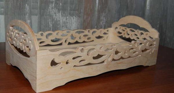 Резная деревянная кукольная кроватка