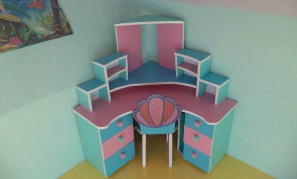 Угловой письменный стол для куклы....все как настоящее