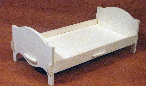 Кроватка из фанеры для кукол