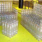 Поделки из пластиковых бутылок: такая мебель для дачи то что нужно