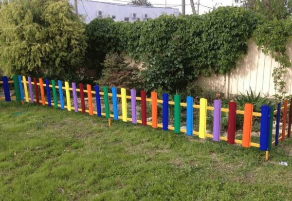 Для маленьких оградок можно найти некондицию на складах или у производителей