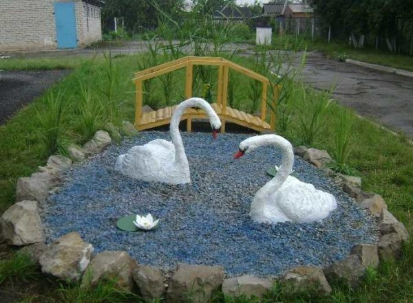 Бетонные лебеди