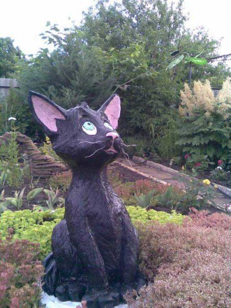 """Кот высокий - более 160 см в основании штырь. Голову делали отдельно, потом соединили с """"телом"""""""