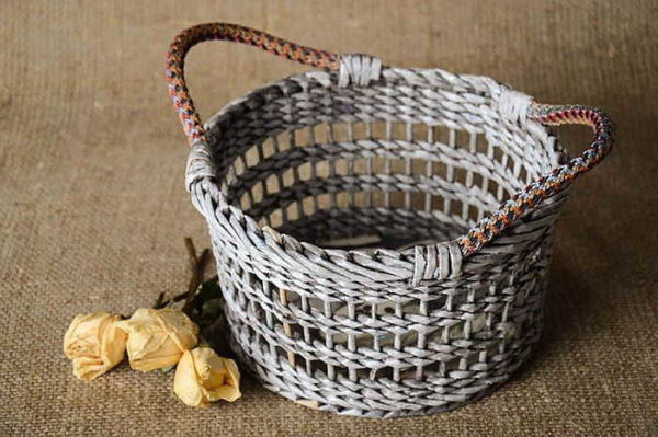 Ажурное плетение из трубочек - важно выдержать равные расстояния